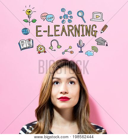 E-Learning text with young woman on a pink background
