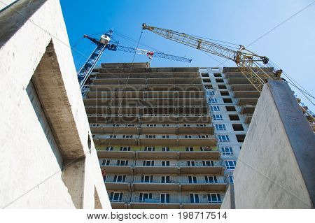 Multi-storey building. Construction of multi-storey residential building