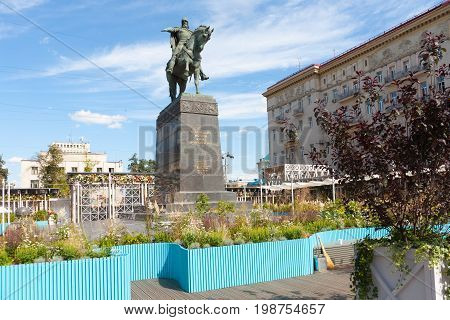 MOSCOW - AUGUST 7: Yuri Dolgoruky monument and flower beds in Tverskaya Square on August 7 2017 in Moscow. Flower beds were installed during