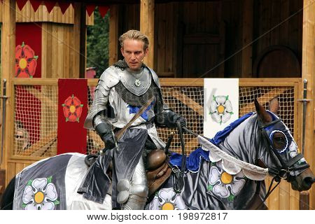 Warwick, Uk - July 22 2017: Jousting Tournament And Medieval Re-enactment Of The Wars Of The Roses A