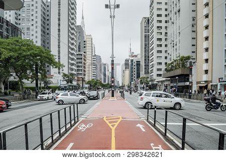 Sao Paulo Sp, Brazil - March 01, 2019: Bicycle Path Of The Paulista Avenue (avenida Paulista). Red L