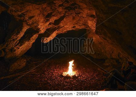 Campfire In The Cave. Campfire In The Cave.