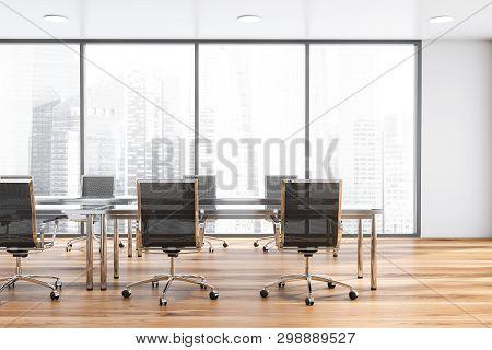 Panoramic White Meeting Room