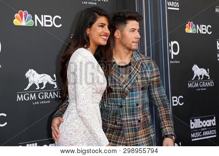LAS VEGAS - MAY 1:  Priyanka Chopra, Nick Jonas at the 2019 Billboard Music Awards at MGM Grand Garden Arena on May 1, 2019 in Las Vegas, NV