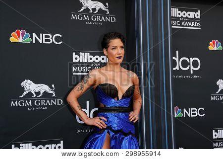 LAS VEGAS - MAY 1:  Halsey at the 2019 Billboard Music Awards at MGM Grand Garden Arena on May 1, 2019 in Las Vegas, NV