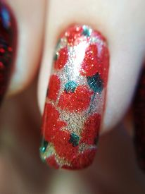 Woman Hand Finger Floral Flower Golden Red Green Manicure Gel Nail Polish Swatch Design Beauty Fashi