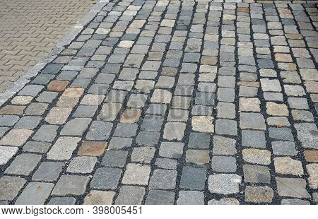 The 16/20 Paving Block Is Used For Paving Outdoor Paved Areas Intended For Pedestrians And Road Vehi
