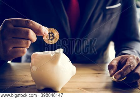Gold Bitcoin Money Is Power No Matter It Is Real Or Not In Human Business Life Style.businessmen Are