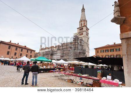 Street Market On Piazza Grande In Modena, Italy