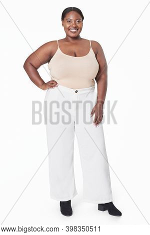 Plus size women's tank top and plants full body