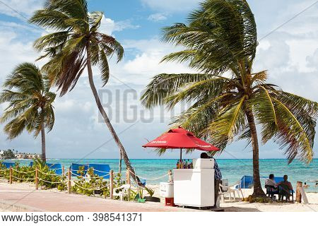 San Andres Island, Colombia - South America - November 25, 2011: Beach Stand Selling Drinks In The M