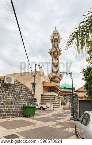 Nazareth, Israel, December 05, 2020 : A Mosque With A Minaret In The Muslim Circassian - Adyghe Vill
