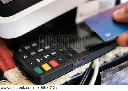 Contactless Purchase Payment With Credit Card Machine Terminal, Cashless Pay