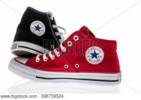 Winneconne, Wi -6 December 2020:  A Pair Of Converse Canvas Shoes On An Isolated Background.