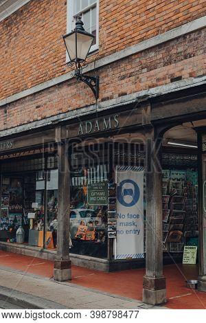 Rye, Uk - October 10, 2020: No Face Mask No Entry Sign At The Entrance Of Adams Of Rye Printers And