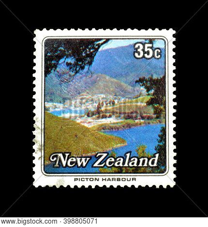 New Zealand - Circa 1979 : Cancelled Postage Stamp Printed By New Zealand, That Shows Picton Harbour