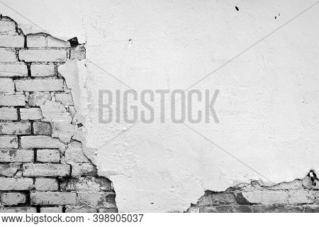 Old Loft Brick Wall Texture Background. Distressed Vintage Wall Surface. Rustic Wide Brickwall. Grun