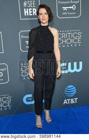 LOS ANGELES - JAN 13:  Claire Foy {Object} arrives for '24th Annual Critics' Choice Awards on January 13, 2019 0 in Santa Monica, CA