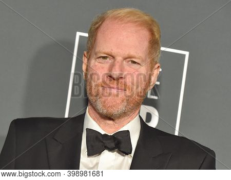 LOS ANGELES - JAN 13:  Noah Emmerich {Object} arrives for '24th Annual Critics' Choice Awards on January 13, 2019 0 in Santa Monica, CA