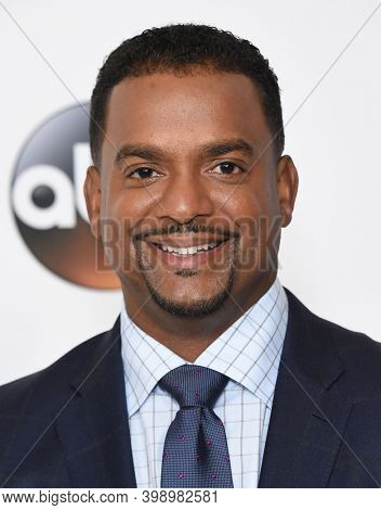 LOS ANGELES - AUG 06:  Alfonso Ribeiro arrives for  Disney ABC TCA Summer Press Tour 2017 on August 6, 2017 in Beverly Hills, CA