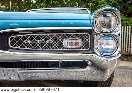 Tybee Island, Ga - October 3, 2020: 1967 Pontiac Gto Hardtop Coupe  At A Local Car Show.