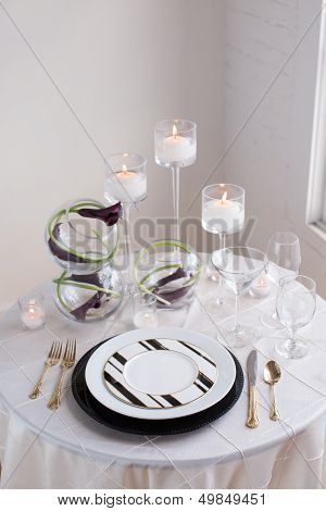 Black and White Reception Table Setting
