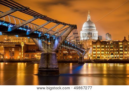 St Paul's Orange Night