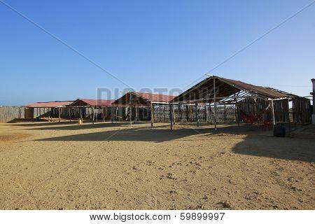 Chozas y hamacas en La Guajira colombiana