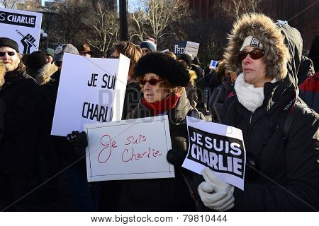 Various Je Suis Charlie signs