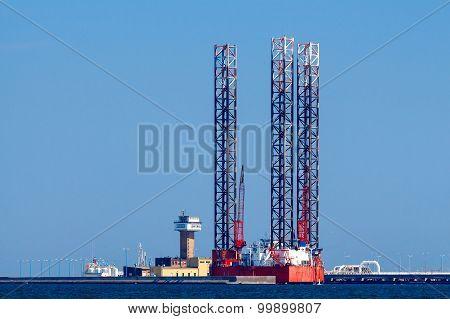 Gdansk. Oil Platform.