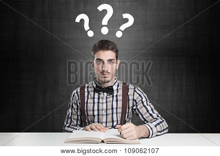 genius confused with many questions over his head