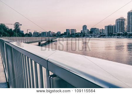 Newfarm Riverwalk in Brisbane