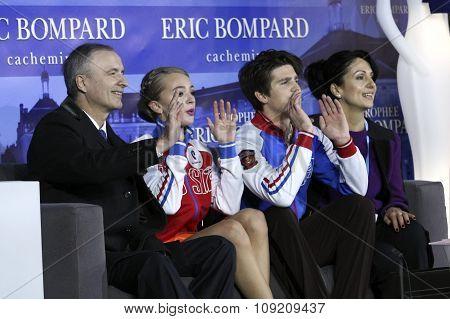 Alexandra Stepanova / Ivan Bukin With Coaches