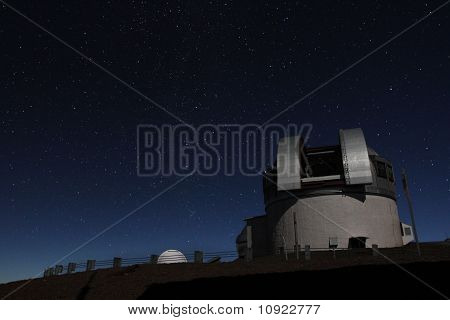 Observatory Under the Stars