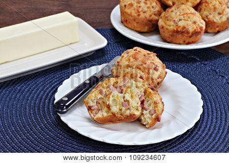 Ham And Cheddar Breakfast Muffins