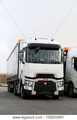 Renault Trucks T Semi On Demo Drive Event, Vertical