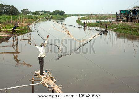 Traditional Fisherman Casting.