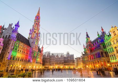 Brussels, Belgium - May 13, 2015: Tourists Visiting Famous Grand Place The Central Square Of Brussel