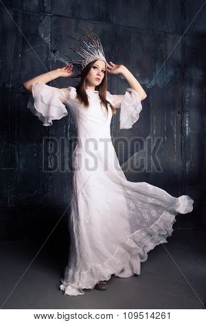 Fasionable Woman In White Crown