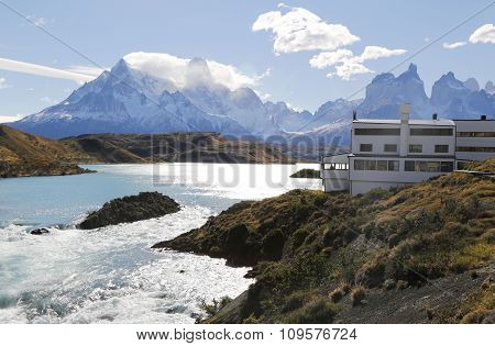 Hotel Salto Chico Explora Patagonia at turquoise Lake Pehoe in Torres del Paine National Park