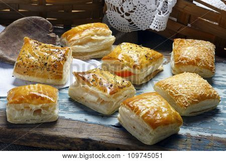 Pies of puff pastry