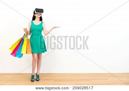 Lovely Woman Experience Vr Headset Equipment