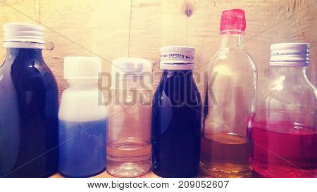 Various kinds of glass bottles and plastic bottles, medicine bottles and bottled oil bottles