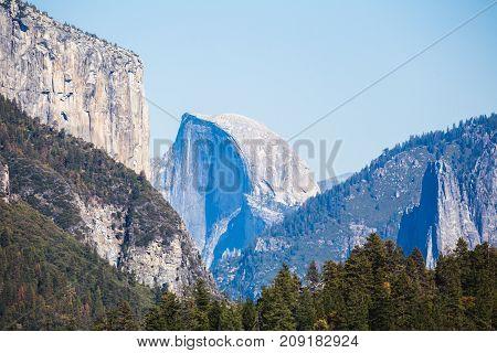 El Capitan In Yosemite Valley