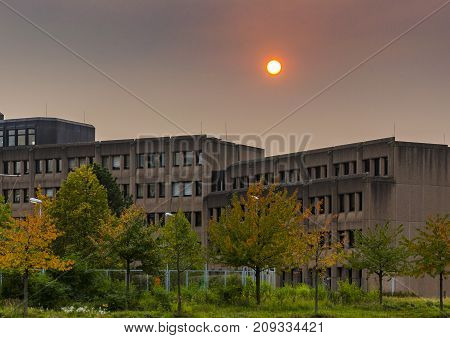 People in nothern Europe woke up this morning to an eerie sight: the sky covered in thick orange and brownish smoke, with the Sun nearly or completely obscured.