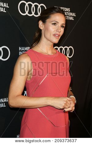 NEW YORK-OCT 6: Jennifer Garner attends