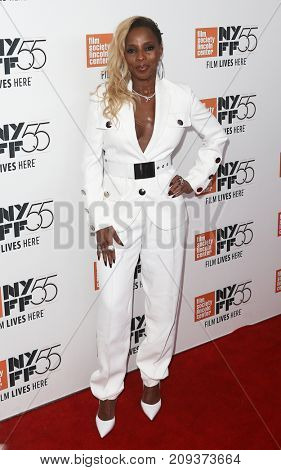 Actress Mary J. Blige attends the
