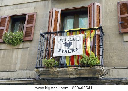 Balcony With A Estelada And For The Basque Prisoners.