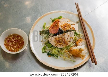 Banh cuon, delicious Vietnamese steamed rice noodle rolls