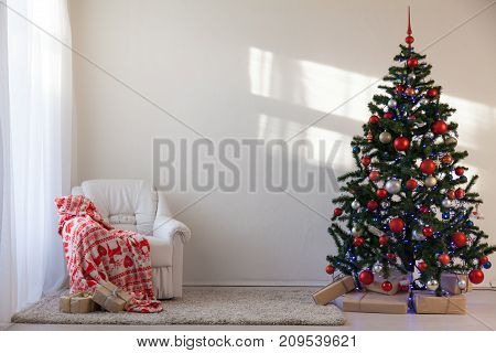 Christmas tree with Christmas gifts in White Hall on Christmas 1